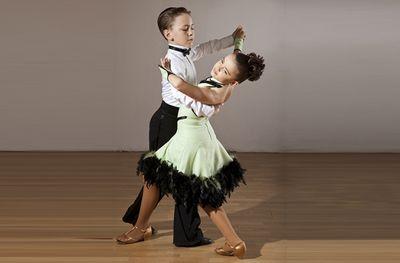 Спортивные танцы - способ справиться с гиперактивностью ребенка